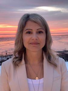 Melanie MacNeil, MD